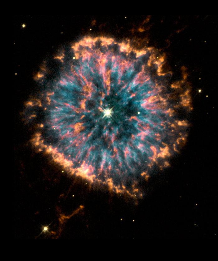 Glowing eye NGC 6751