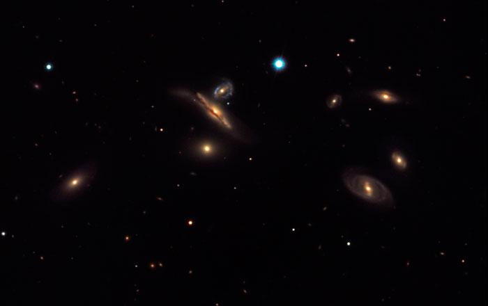 Copeland's Septet NGC 3745, NGC 3746, NGC 3748, NGC 3750, NGC 3751, NGC 3753 y NGC 3754